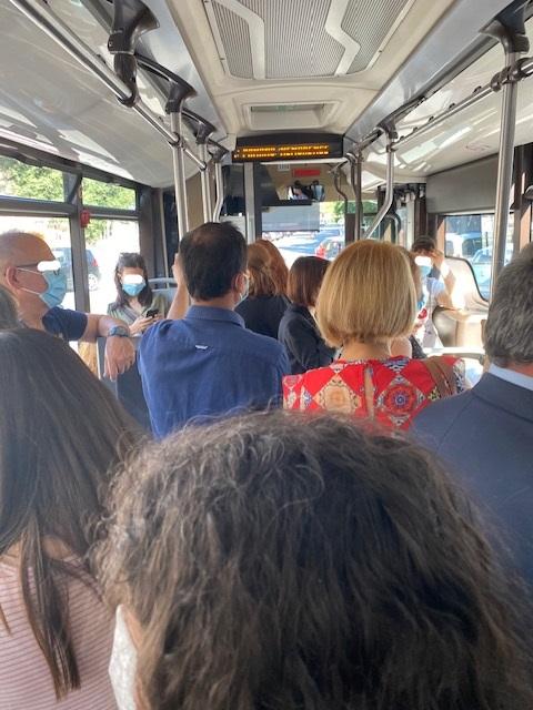 La situazione sulla linea 168 (foto di Valeria Contu)