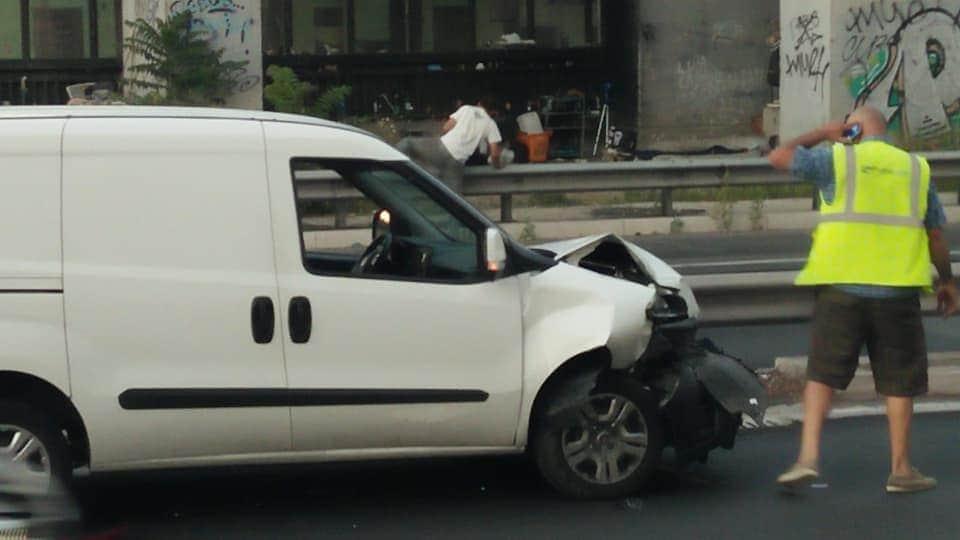 """Un'immagine del sinistro, dal gruppo Facebook """"Quartiere Trieste Salario, no roghi tossici"""""""