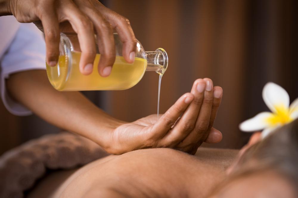Come lavorano i centri massaggi nell'era Covid