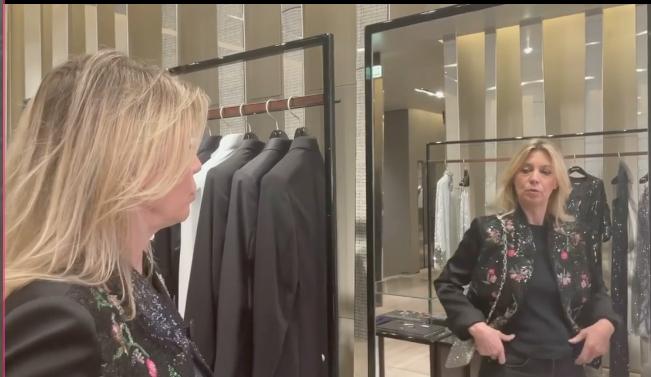 """Margherita Buy canta """"Soldi"""" nel video di Nanni Moretti"""