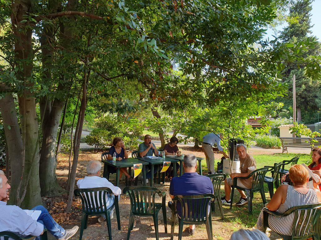 Un momento della conferenza a Villa Leopardi