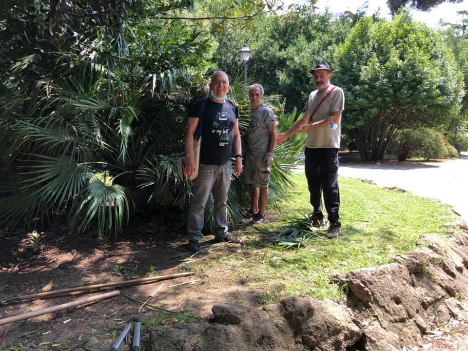 I volontari di Villa Leopardi nell'ultimo giorno di attività prima delle ferie estive