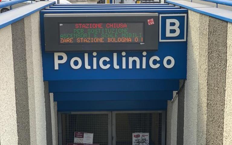 La fermata della metropolitana Policlinico ancora chiusa
